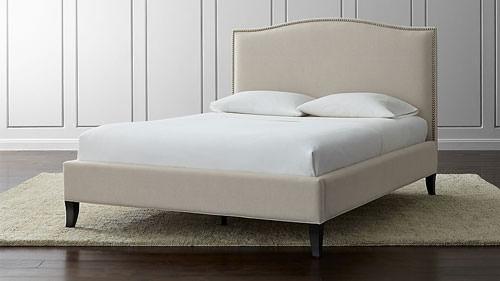 راههای خوابیدن آرام بروی تشک تخت